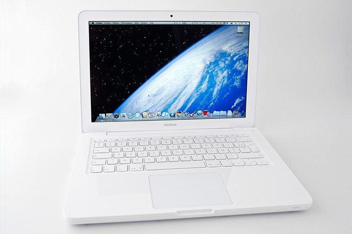 白色 Unibody MacBook 機身